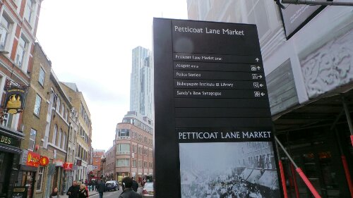 The sign at the entrance to Middlesex Street detailing the history of Petticoat Lane