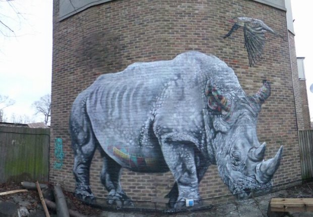 This superb Rhino by Louis Masai can be seen at the back of the pub in the garden