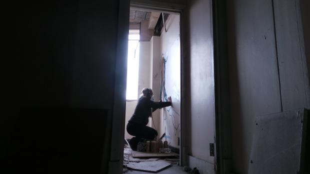 Vlong at work in the shadows