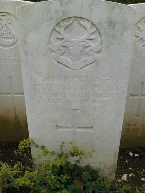 William Blomfield Gravestone at Doullens