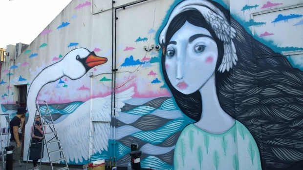Mimi Soan's mural on Marnock Road featured a woman and a swan